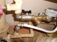 установка прибора учета горячей воды